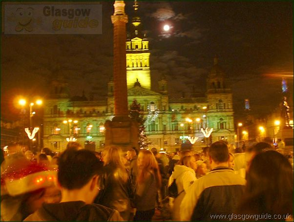 Glasgow Photo: George Square at Christmas: Click here to go back to the index page