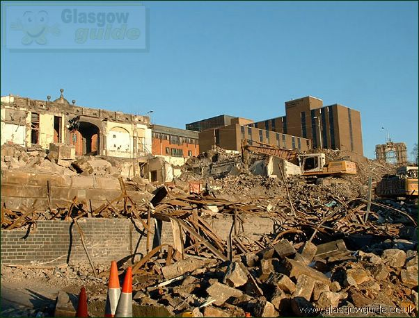 Glasgow Photo: The End of the Rottenrow: Click here to go back to the index page