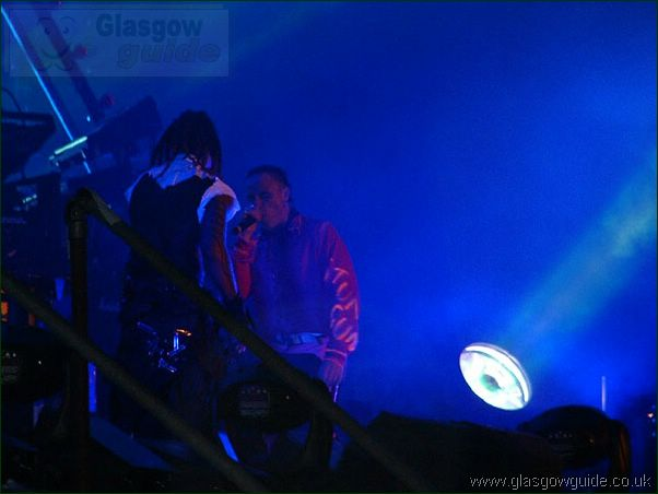 Glasgow Music Festival: Gig on the Green 2002: Click here to go back to the index page