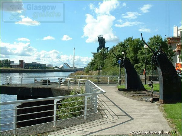 Glasgow Photo: The River Clyde Walkway: Click here to go back to the index page