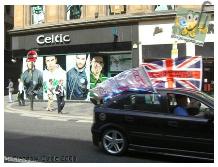 Glasgow City Guide Photographs: GG  Rangers on the way to Manchester.jpg  31 December 2008 18:42