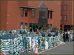 Glasgow City Guide Photographs: Jimmy Johnstone Funeral  Celtic Park 06.jpg  30 April 2006 12:23