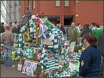 Glasgow City Guide Photographs: Jimmy Johnstone Funeral  Celtic Park 12.jpg  30 April 2006 12:25