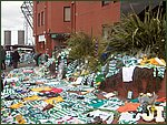 Glasgow City Guide Photographs: Jimmy Johnstone Funeral  Celtic Park 13.jpg  30 April 2006 12:31